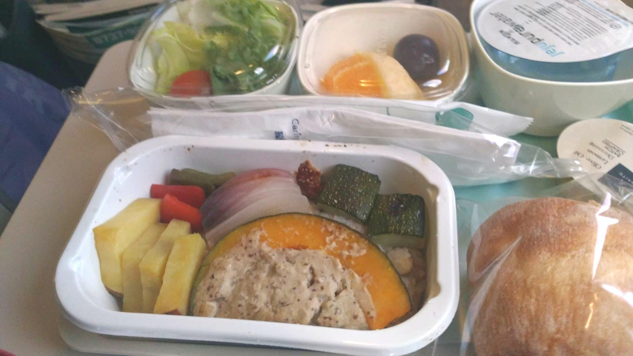 大韓航空 KoreanAir KE 機内食 特別機内食 フルーツミール ラクトオボ ベジタリアンミール